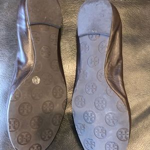 Tory Burch Flats Brown with gold logo